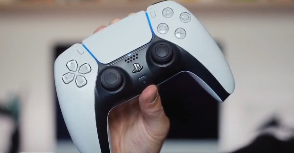 В сети появился разбор контроллера PS5 DualSense